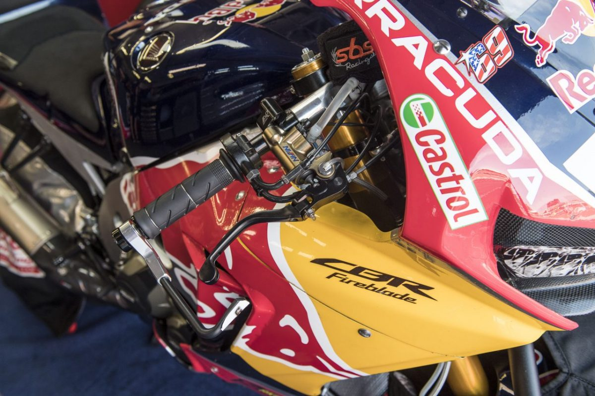 La Honda CBR1000RR Ten Kate vuelve al acelerador cableado