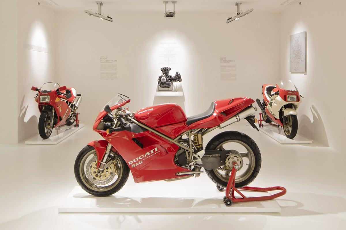 """Ducati Panigale 1299 R FE y otras """"abanderadas boloñesas"""""""