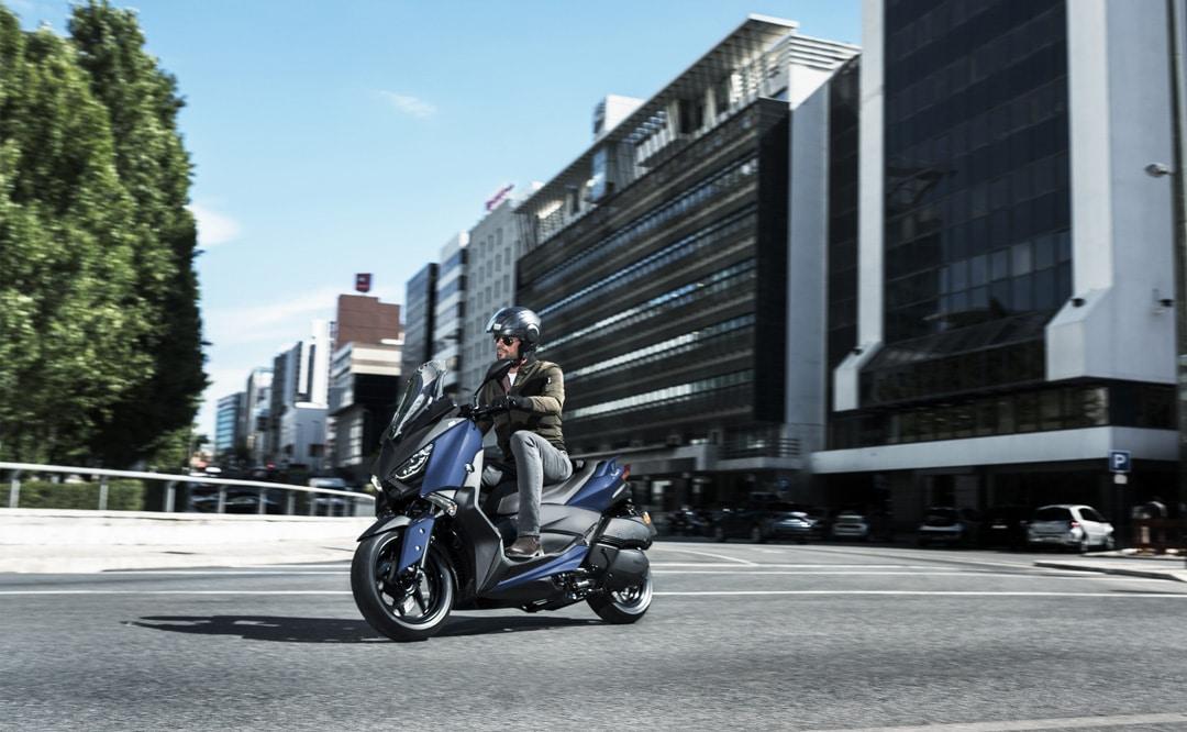 Yamaha-X-MAX-300-2018-4