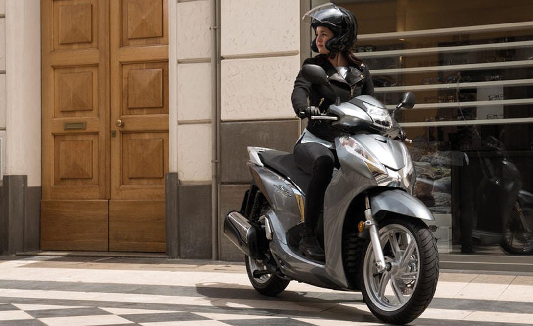 Honda-SH300i-2018-3