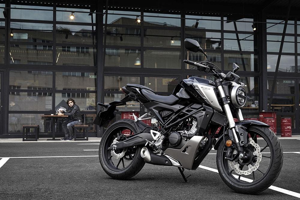 Honda CB125R: esencia Neo Sports Café a escala