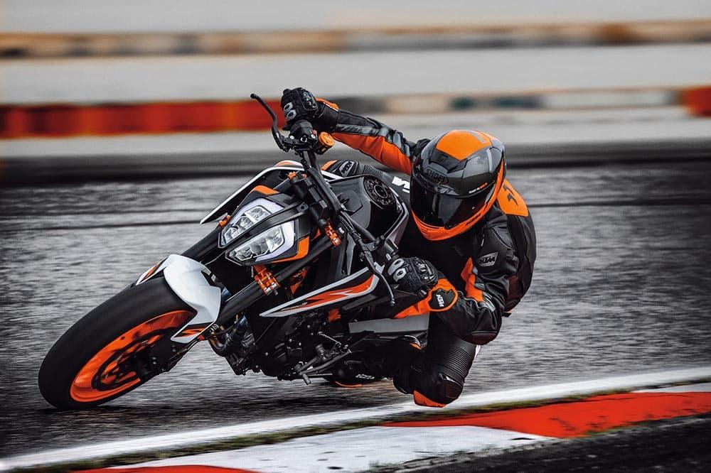 KTM 890 Duke R 2020: ficha técnica y fotos