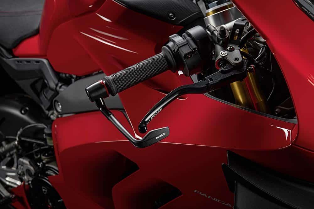 Accesorios racing para la Ducati Panigale V4: más misil aún