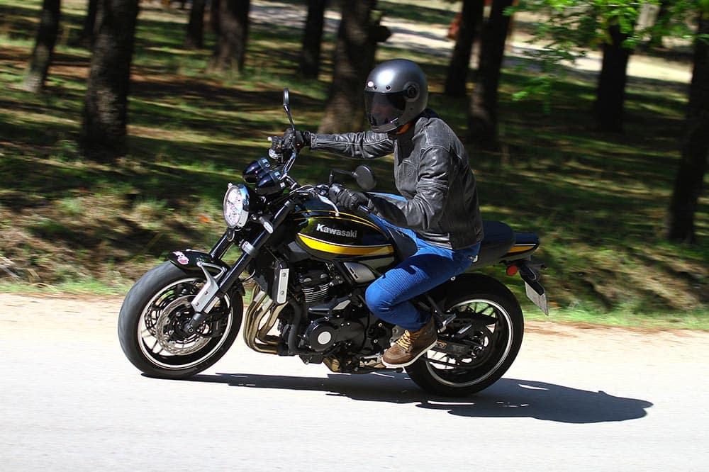 Prueba Kawasaki Z900RS Performance: puro estilo retro