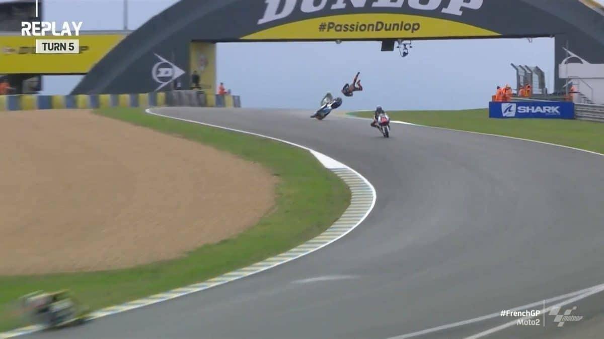 Durísima caída de Luca Marini en Le Mans [vídeo]